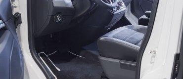 Sostituisci i tuoi vecchi tappetini auto con dei nuovi tappetini Konstill