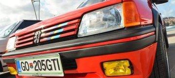 Abbiamo partecipato alla ristrutturazione di una Peugeot 205 GTI (1987)